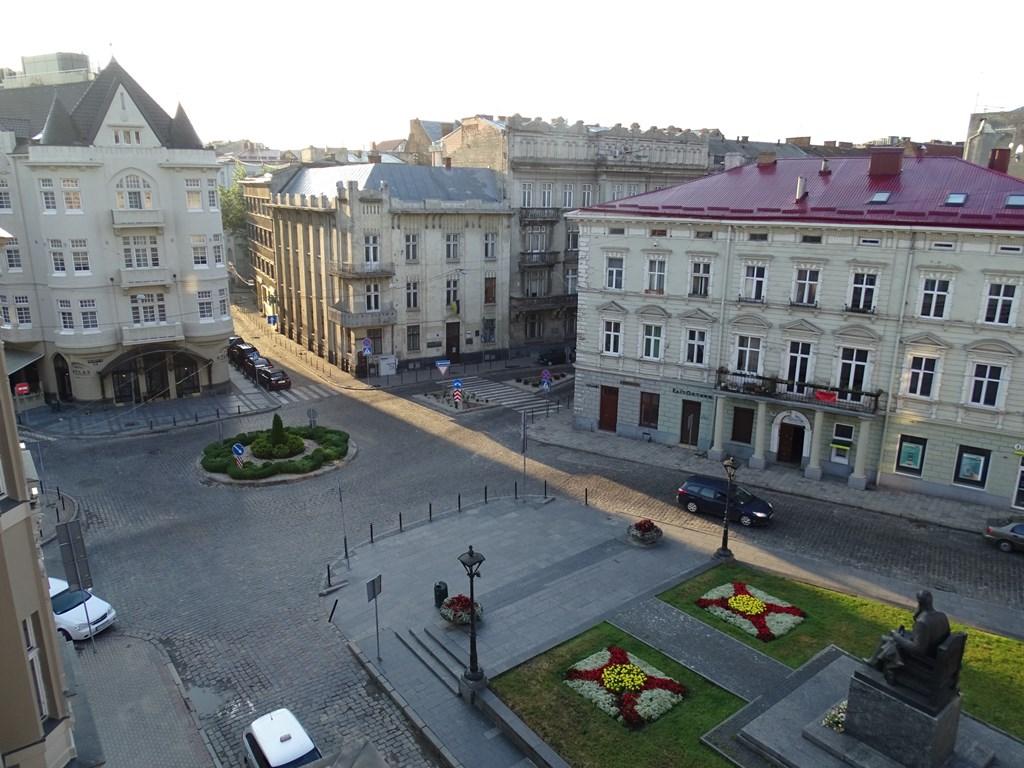 Monument to Mykhailo Hrushevkyy, L'viv, Ukraine