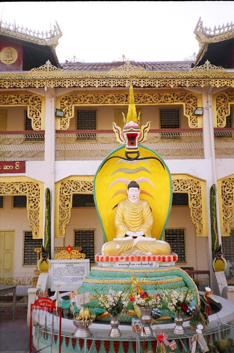 Botataung Paya, Yangon, Myanmar