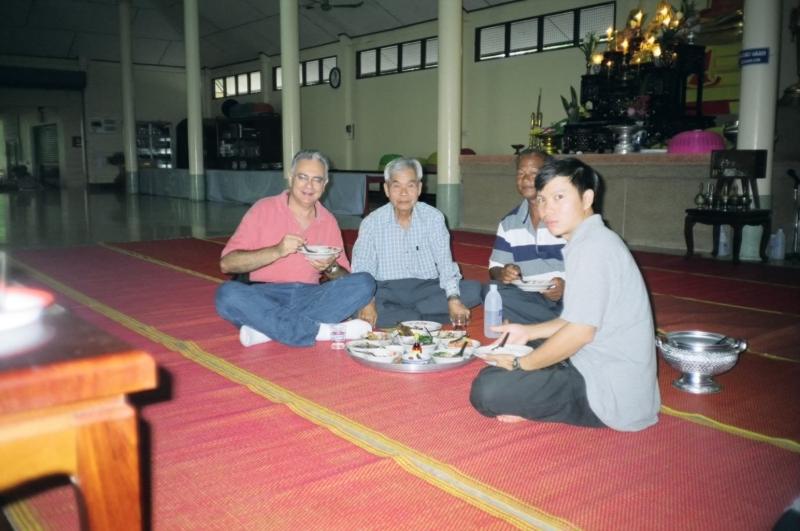 Breakfast, Wat Plai Khlong, Trat, Thailand